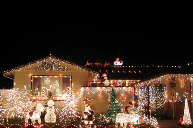 photo credit: Houses like this use up a lot of electricity during the festive period. V Smoothe via Wikimedia Commons